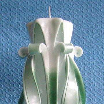 Schnitzkerze Lilie grün abgestuft 30 cm