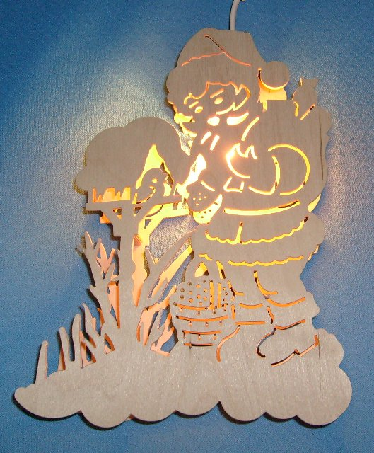 beleuchtetes Fensterbild : Nikolaus am Vogelhaus