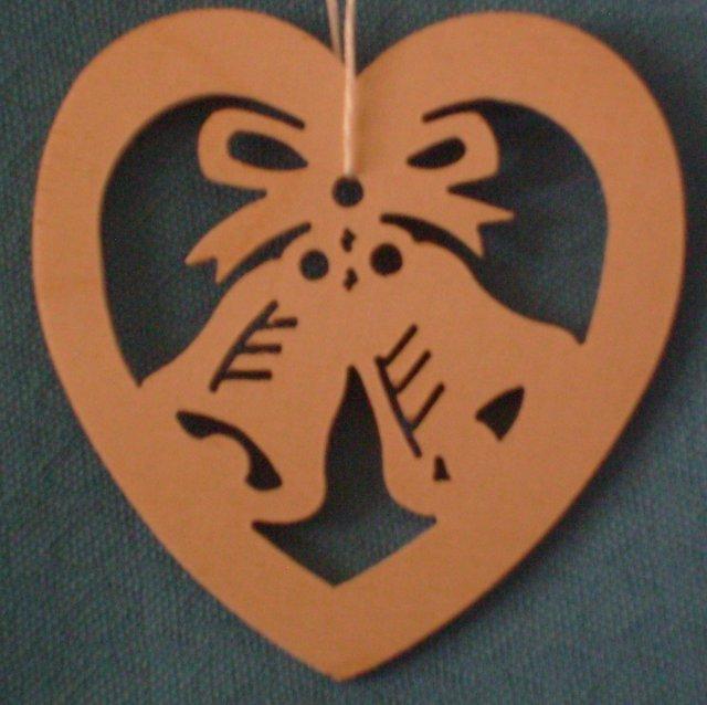 Baumbehang Herz mit Glocken