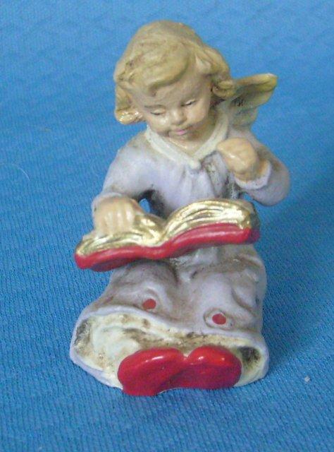 Engel mit Gesangbuch