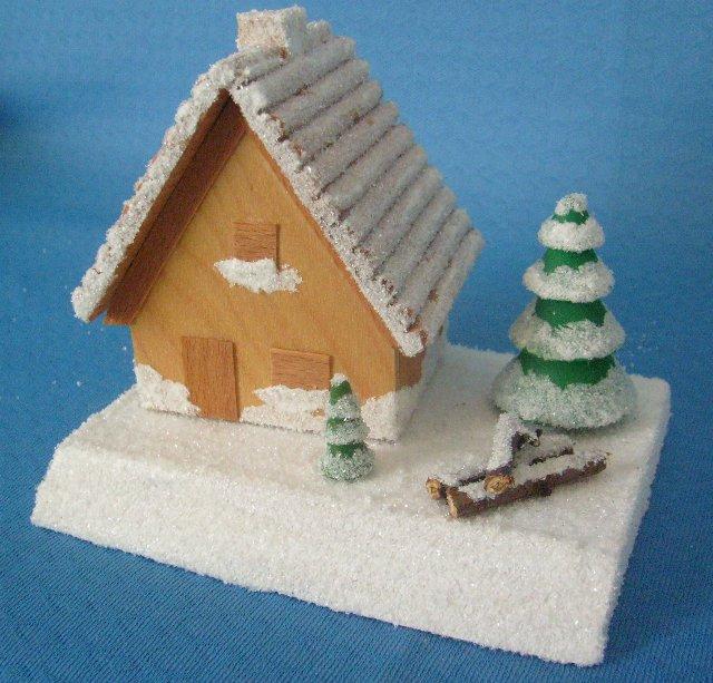 Räucherhaus winterlich beschneit