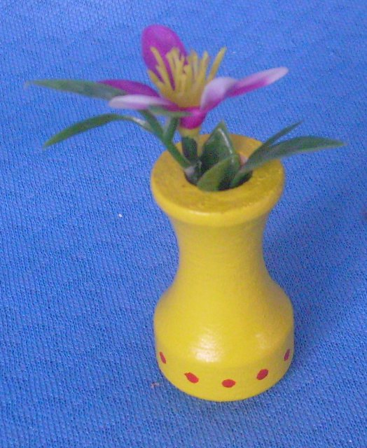 Blumenvase gelb