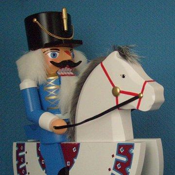 Nussknacker Reiter blau