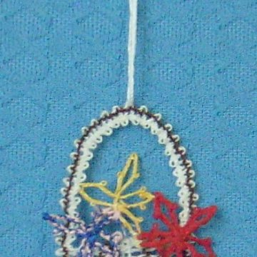 geklöppelter Blumenkorb
