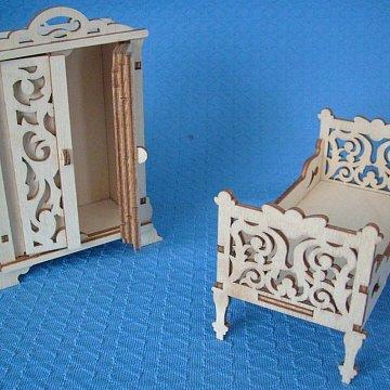 Puppenmöbel Bett und Schrank